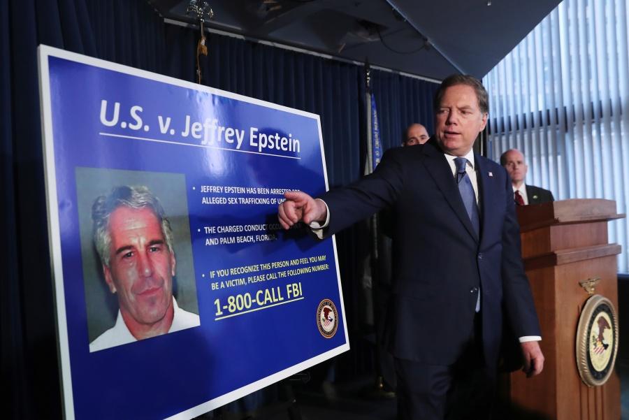 """""""Magnate de Nueva York es acusado de crear red de tráfico sexual de menores"""""""