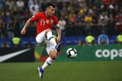 El West Ham realizaría nueva oferta por Medel al término de la Copa América