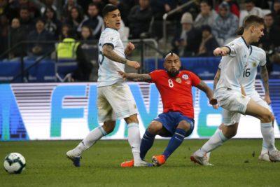 """Leandro Paredes: """"Desde el primer foul Chile protestó al árbitro, no tenían otra forma de ganar"""""""