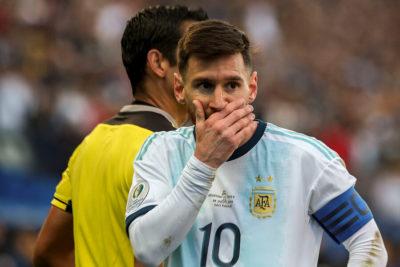 """""""Un aporte al victimismo argentino"""": la dura columna de Clarín por la reacción de Messi"""