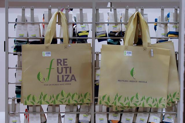 """""""Proyecto busca que retail entregue bolsas reciclables gratis"""""""