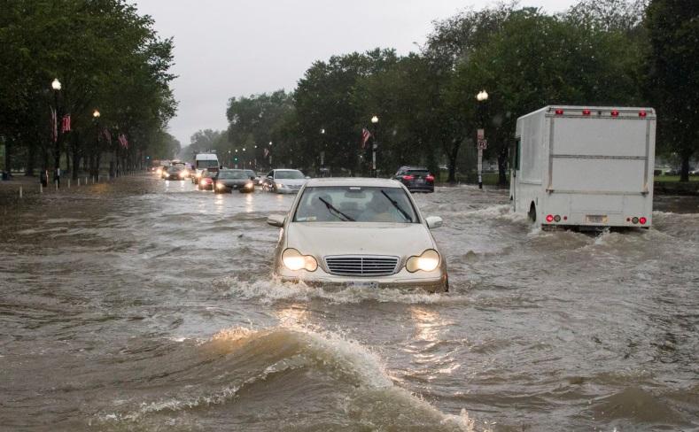 Washington Torrenciales lluvias inundan carreteras el metro y hasta la Casa Blanca