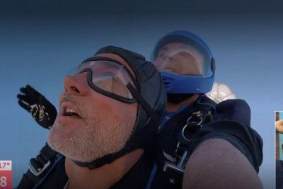 Contraloría investigará salto en paracaídas de Luis Jara y Karol Lucero