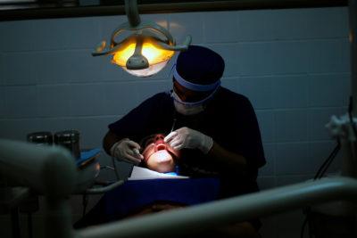 Coyhaique: hombre perdió parte de su mandíbula por fallida extracción de muelas