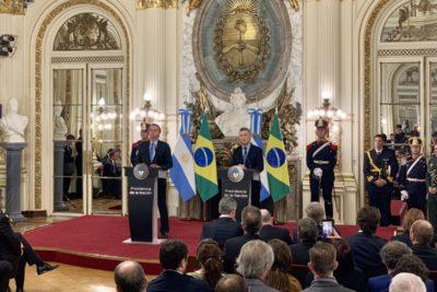 """""""No vamos a hablar del VAR"""": la broma futbolera de Macri a Bolsonaro en pleno Mercosur"""