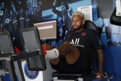 Neymar vuelve a los entrenamientos en el PSG en medio de la incertidumbre por su futuro