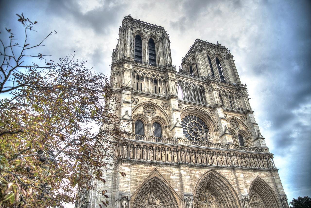 Francia aprueba proyecto de ley para reconstrucción de la catedral de Notre Dame