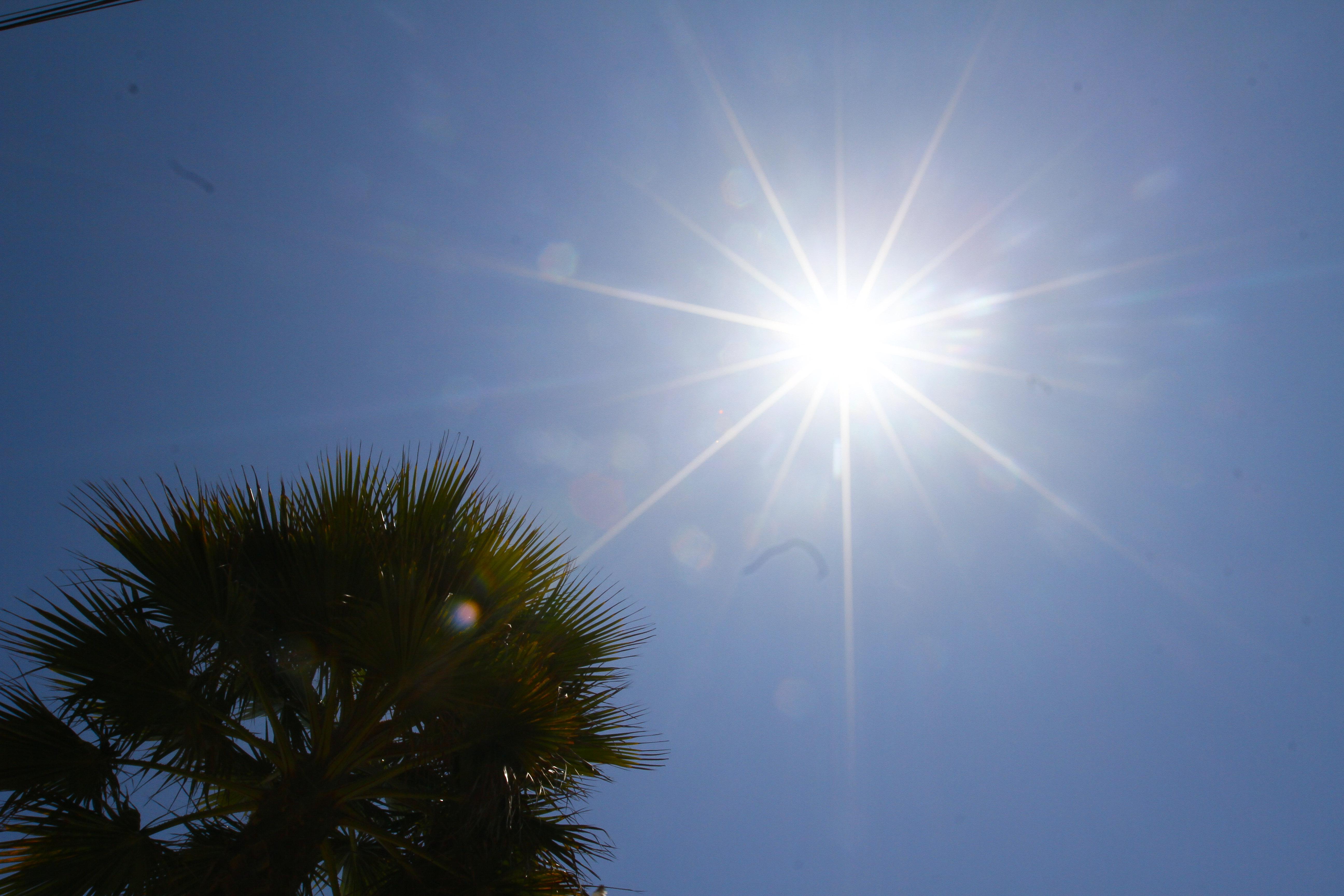 Peak de altas temperaturas se vivirá este martes en la zona central