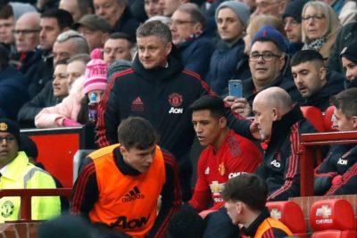 DT del United habría considerado a Alexis solo para la Europa League y la Copa FA