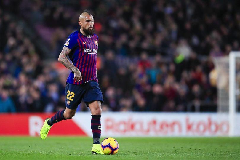 Arturo Vidal entrena en doble sesión para recuperar terreno en el Barcelona