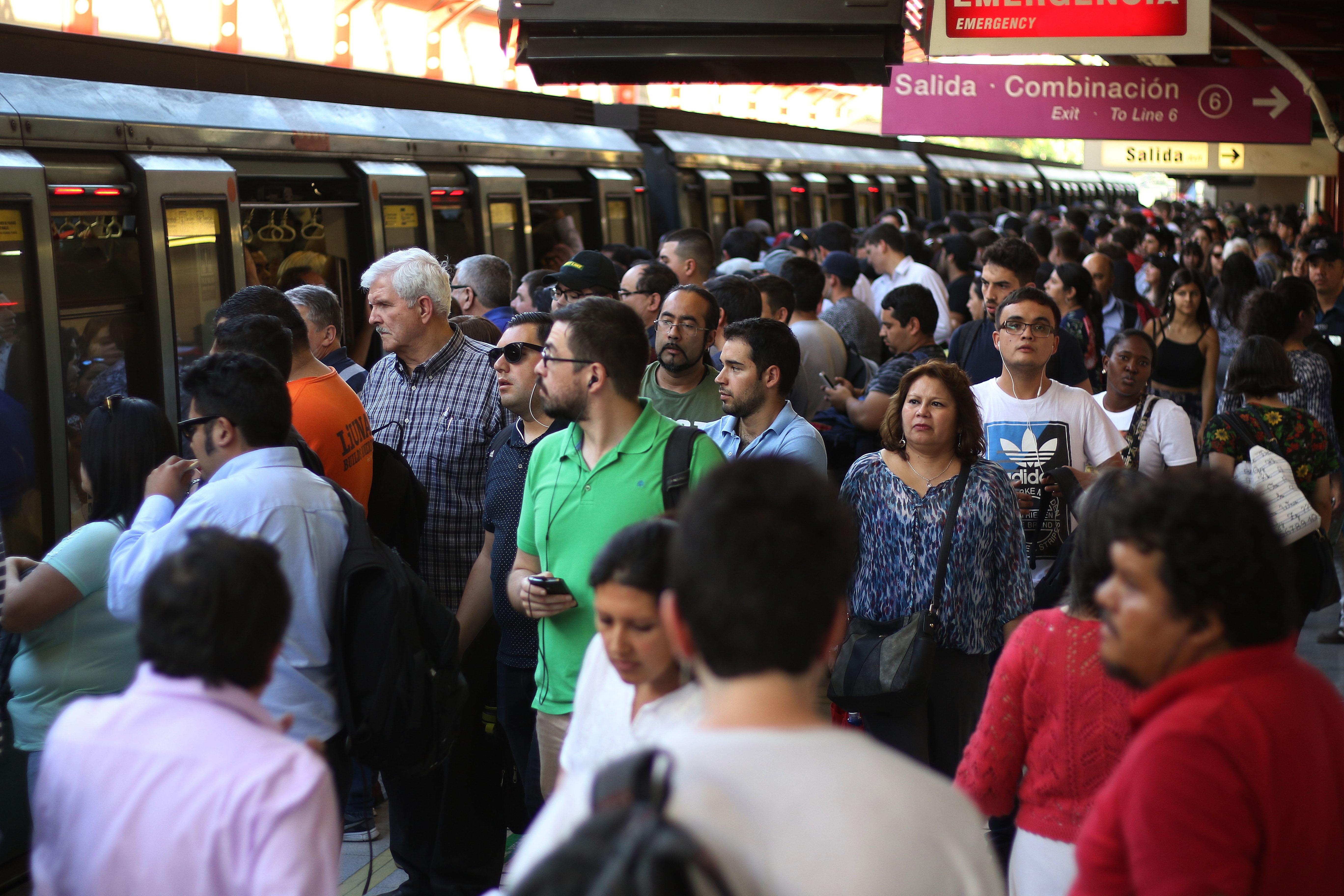 Metro informó que la Línea 5 se encuentra operando de forma parcial