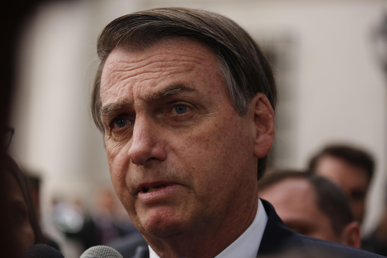 """Jair Bolsonaro se abre a recibir ayuda del G7 solo si Macron """"retira sus insultos"""""""