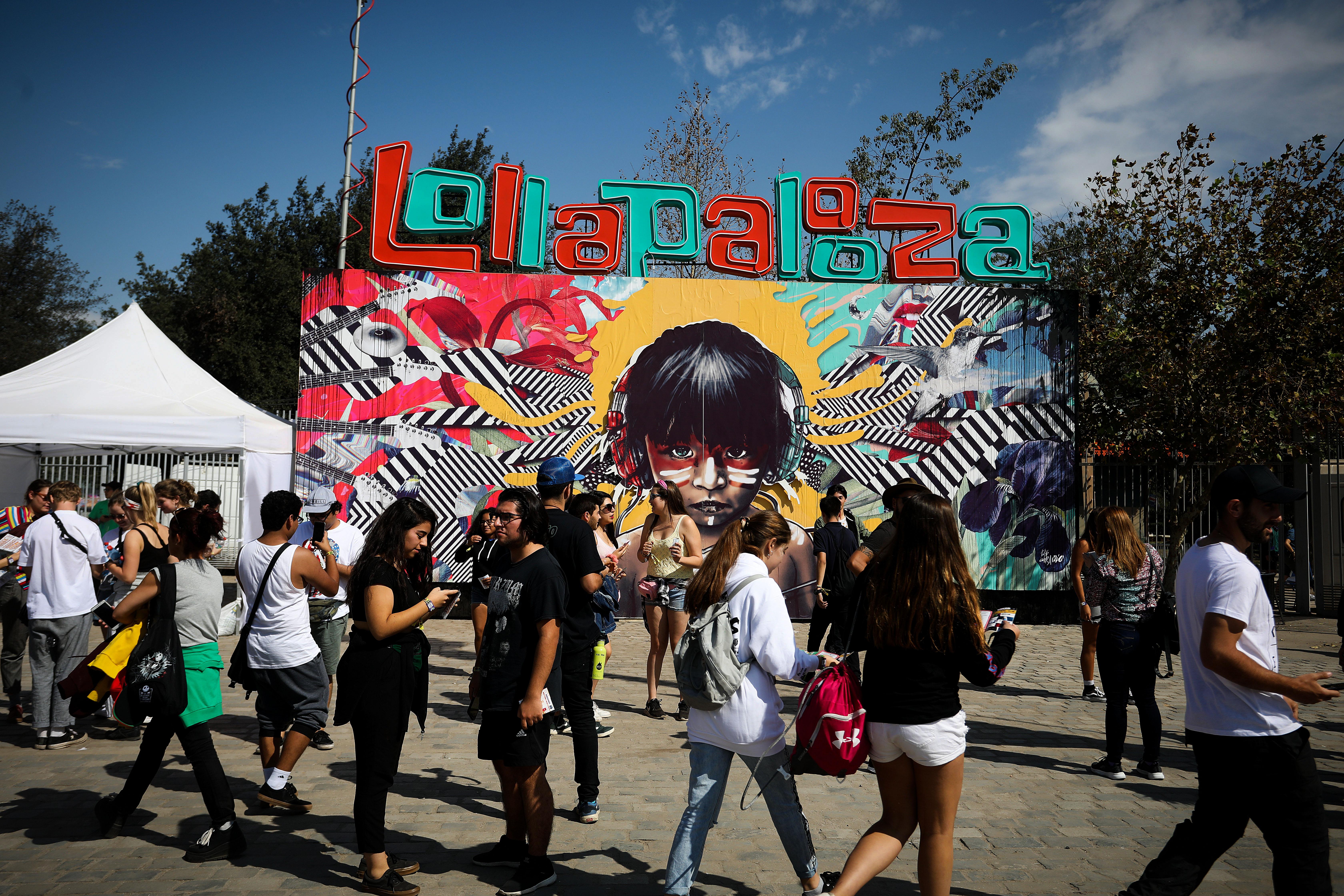 """""""Lollapalooza vendió 50 mil entradas solo en su primer día"""""""