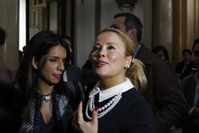 """""""Hace 20 años que hago TV…"""": Cathy Barriga vuelve a defender el matinal de Maipú en pleno concejo municipal"""