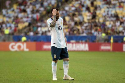 Conmebol admite error con el VAR en una jugada del Brasil-Argentina