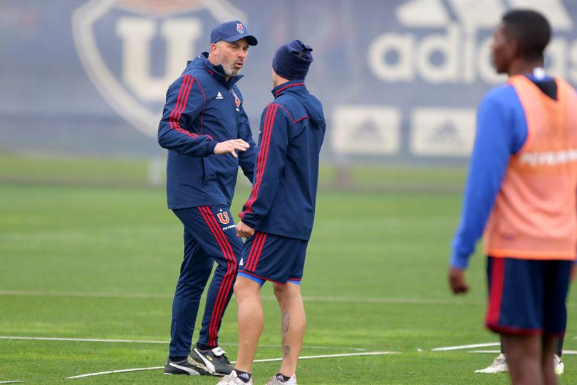 Hernán Caputto probó su primer once como entrenador interino de la U