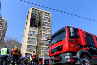 Amplio operativo de rescate por incendio en edificio de Recoleta
