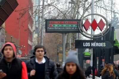El motivo que obligó a Metro de Santiago a suspender parcialmente la Línea 1