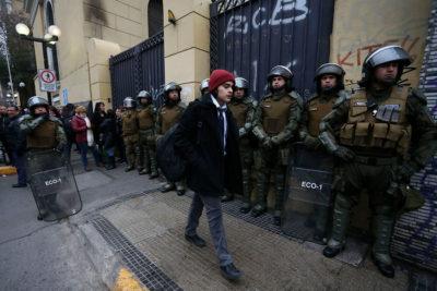 """Defensoría de la Niñez condena """"actuar policial desmedido"""" en Instituto Nacional"""