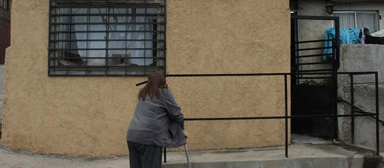 Justicia no detendrá a mujer que instaló una rampa en la puerta de su casa