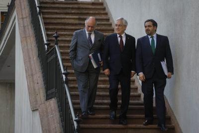 """Quintana y Flores a Piñera: """"Gobierno debe resarcir el daño ocasionado al PS"""""""