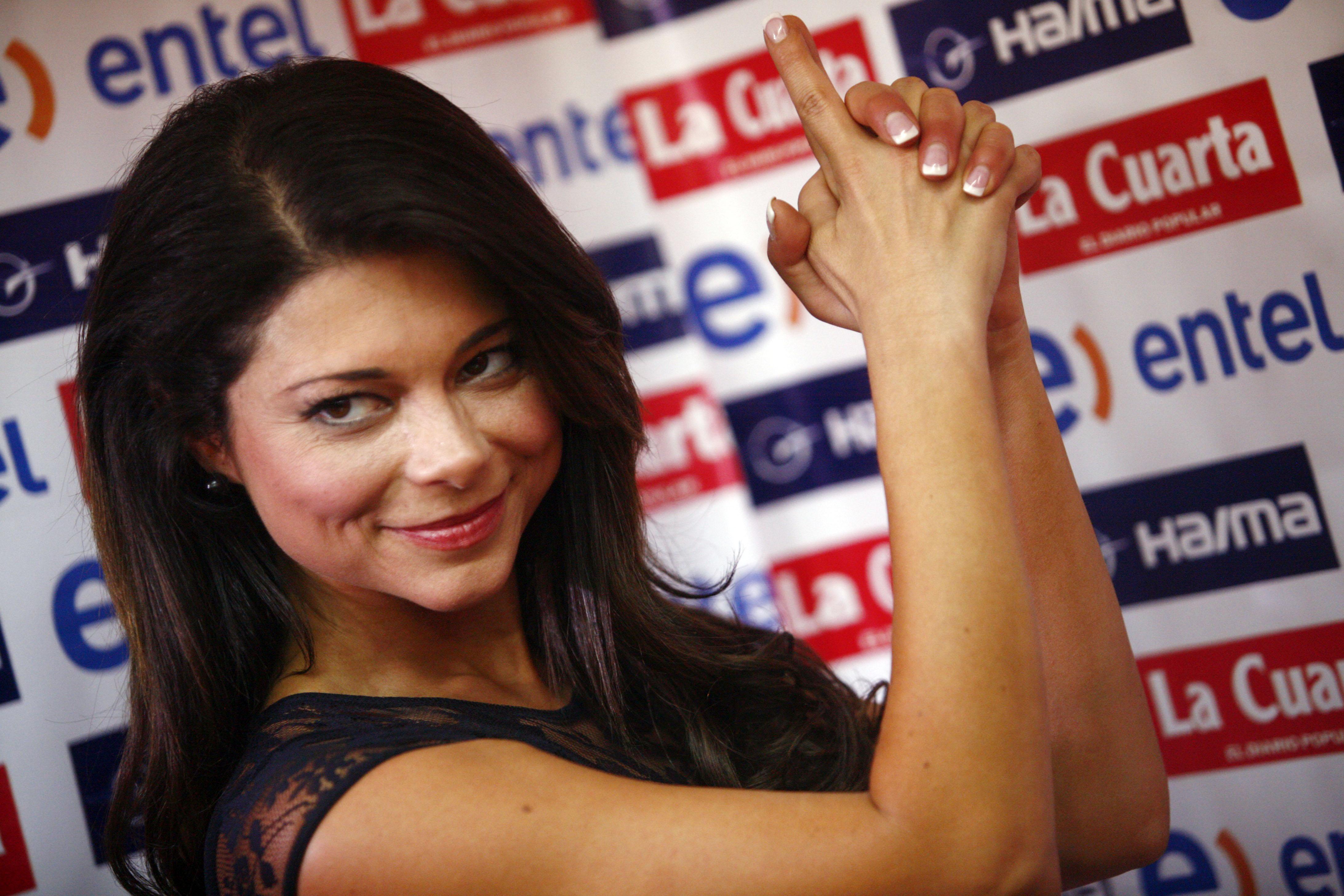 Antonella Ríos respondió a las críticas por beso a Daniela Palavecino