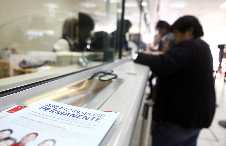 23 mil familias aún no cobran el Aporte Familiar Permanente