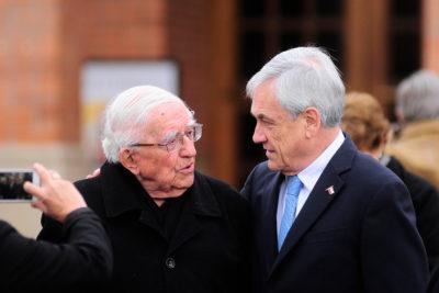 En masa salieron a recordarle a Piñera la ley de imprescriptibilidad que él mismo firmó