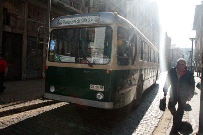 Gobierno echa pie atrás a aumento de subsidio para trolebuses de Valparaíso