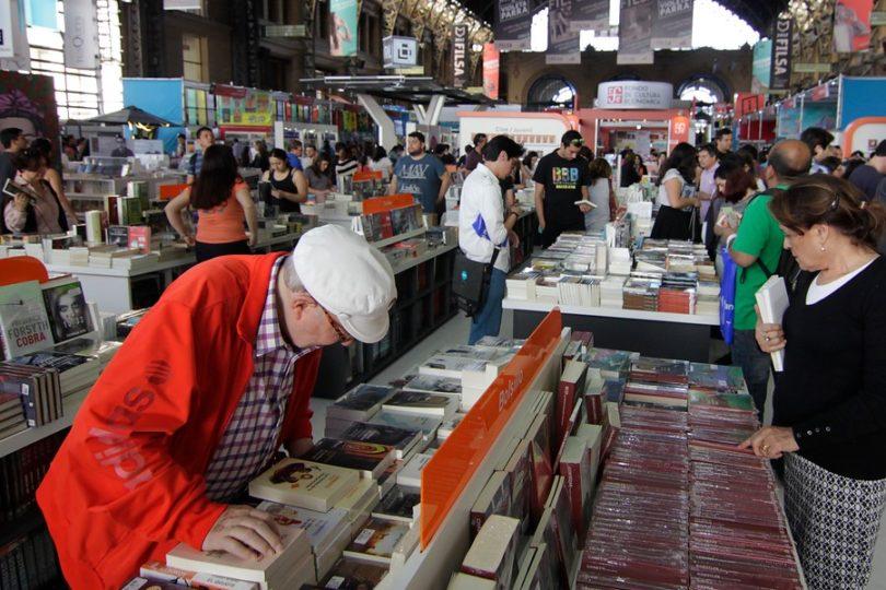 Confirman que Feria del Libro se seguirá realizando en Estación Mapocho