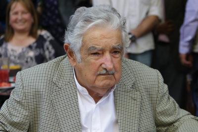 """""""Pepe"""" Mujica propone una salida al mar a Bolivia por el río de La Plata"""