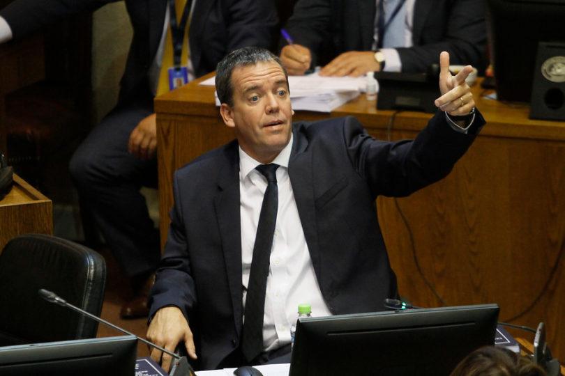 La teoría conspirativa de Harboe que vincula las críticas de Cecilia Pérez al PS con denuncia contra Bernardino Piñera