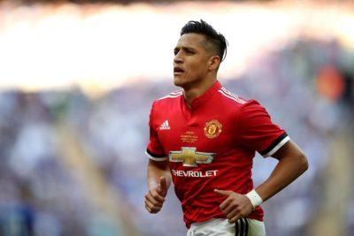 Alexis llega al entrenamiento del United mientras continúan las negociaciones con el Inter