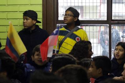 Escolares inmigrantes presentan mejor rendimiento en Matemáticas y Ciencias