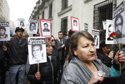 INDH conmemora Día del Detenido Desaparecido con proyección en Museo de Bellas Artes