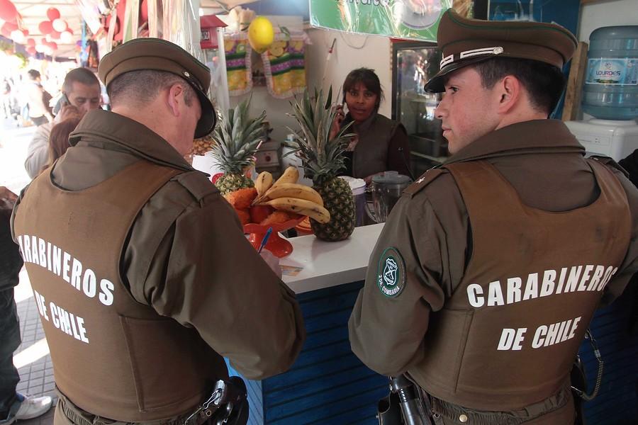 """""""Tres carabineros detenidos por disparar a jóvenes y simular robo"""""""