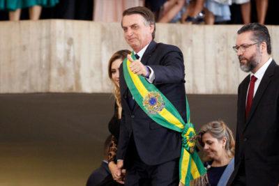 Bolsonaro prohíbe el ingreso a Brasil de funcionarios chavistas