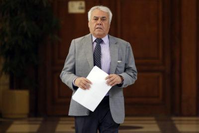 Corte ordena a abogado borrar de Facebook publicaciones contra diputado RN Ramón Galleguillos