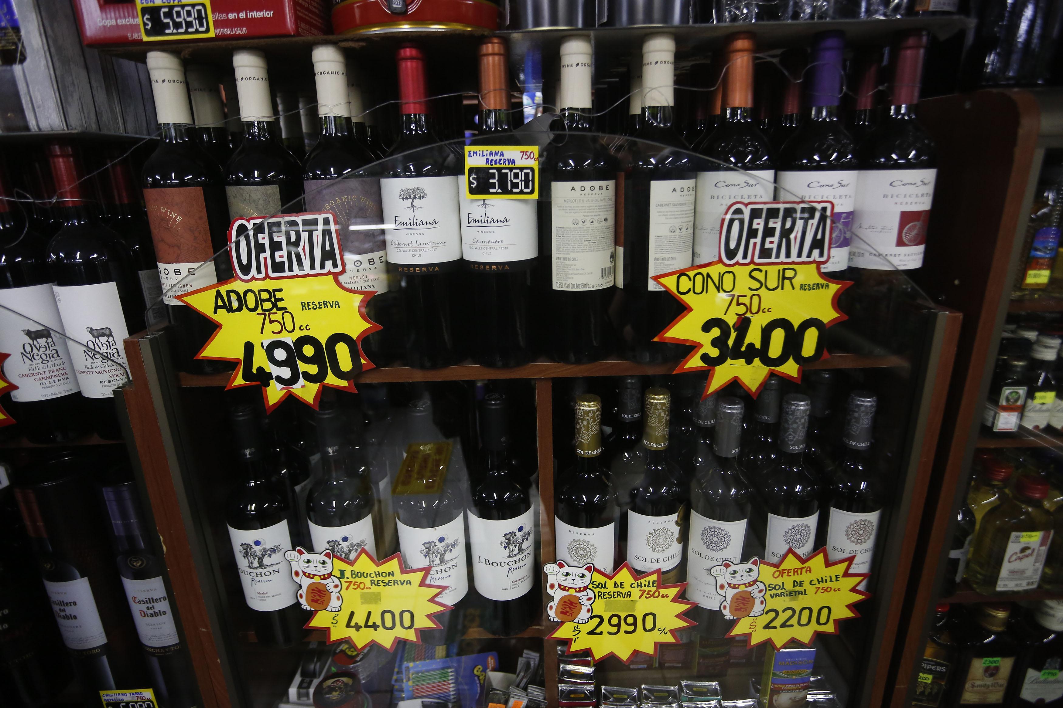 Gobierno busca prohibir venta de alcohol a menores de edad a través de apps de delivery