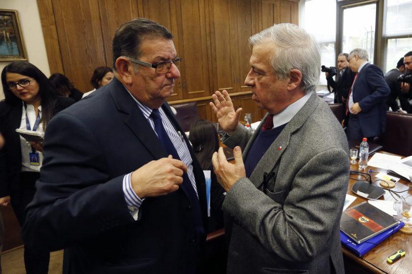 Reforma a las isapres: senadores opositores presentan puntos intransables a Mañalich
