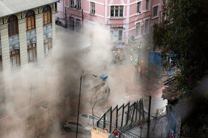 Nuevo derrumbe se registra en zona de la tragedia en Valparaíso