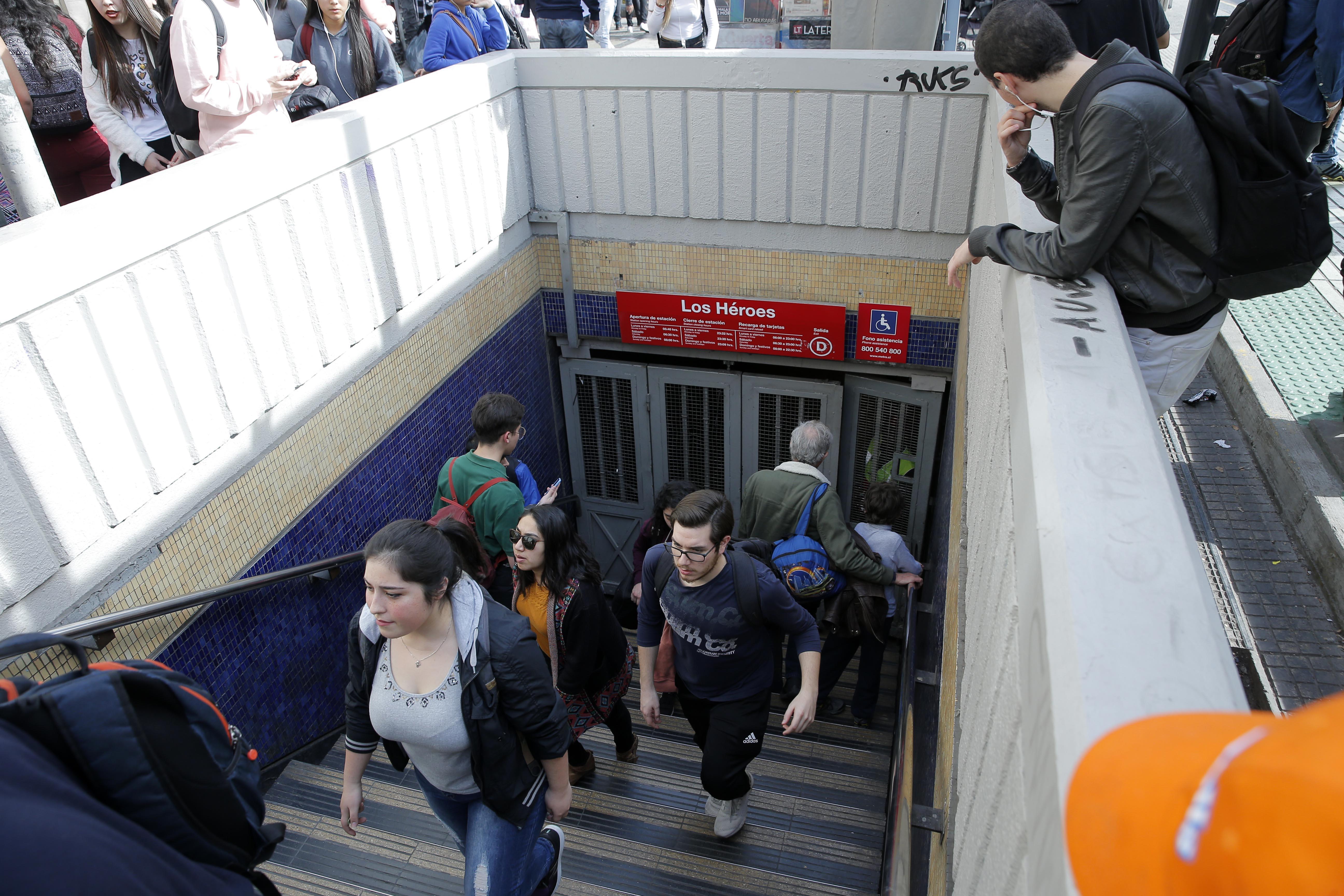 """Metro confirma interrupción en Línea 1 por """"falla técnica en la vía"""""""