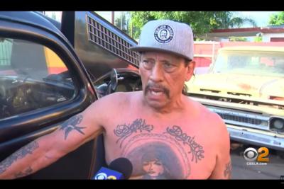 VIDEO | Actor Danny Trejo ayudó a rescatar a niño atrapado en auto volcado