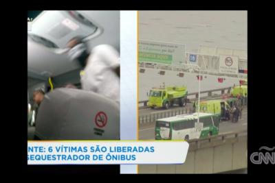 FOTOS + VIDEO |Toma de rehenes en Brasil: hombre amenazó con incendiar bus en Río de Janeiro