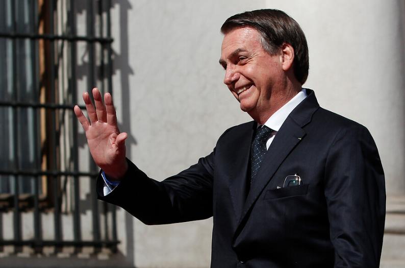 """""""Jair Bolsonaro desata burlas en redes sociales: criticó a Noruega con video de caza de ballenas en Dinamarca"""""""