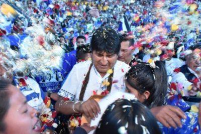 Candidatos bolivianos suspenden campañas presidencialesmientras se controlan incendios en la Amazonía