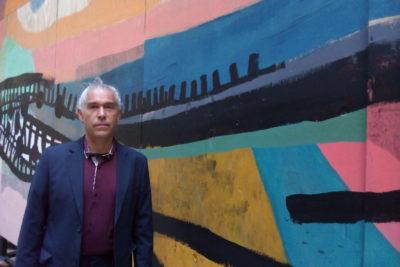 """Ciro Beltrán y sus motivaciones para crear el mural de la estación Chile-España: """"Hice toda mi vida en ese barrio"""""""