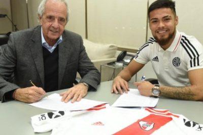 """Un """"millonario"""" más: Paulo Díaz firmó por River Plate por 3 años"""