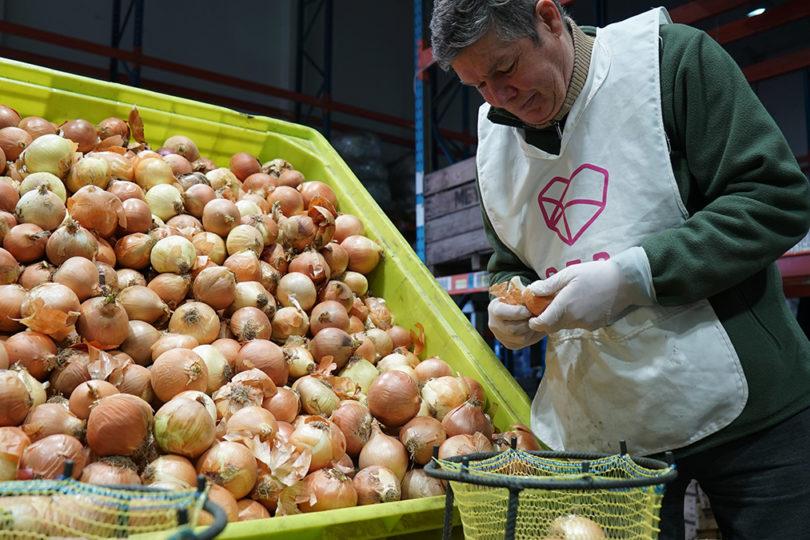 Red solidaria rescata alimentos y bienes de primera necesidad en Chile