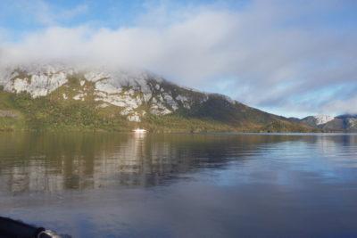 Derrame de petróleo en Isla Guarello: advierten complejidad para evaluar impacto mediombiental